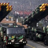 indian-during-officers-republic-missiles-vehicles-displaying_7ab91ede-e20e-11e6-af2a-7d9058160009